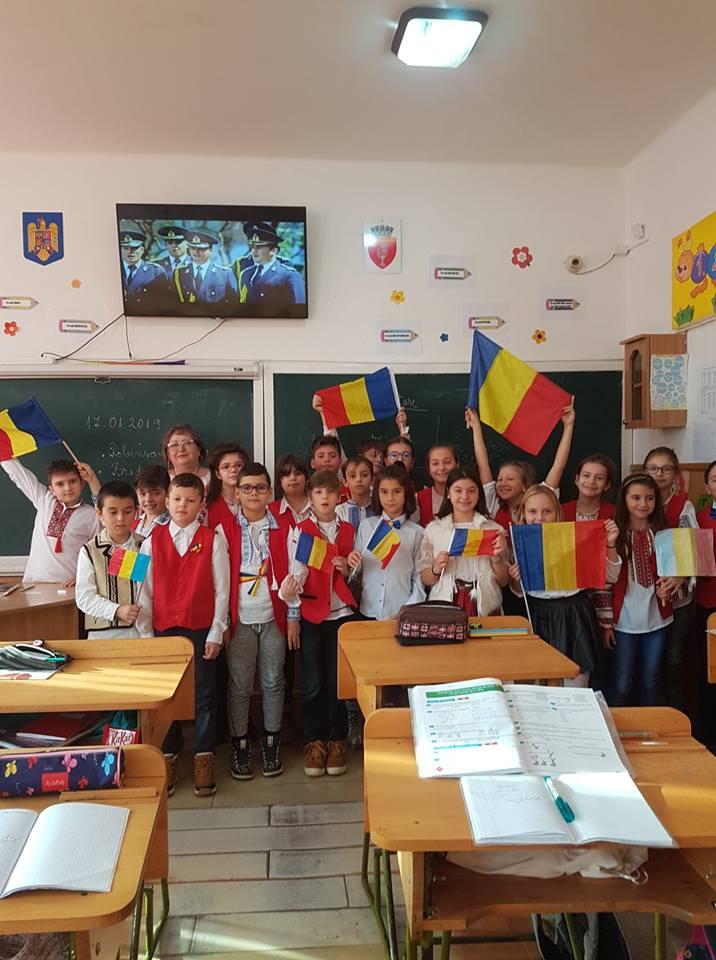 Cinstirea Centenarului Marii Uniri la Școala Gimnazială Nr. 1 Onești