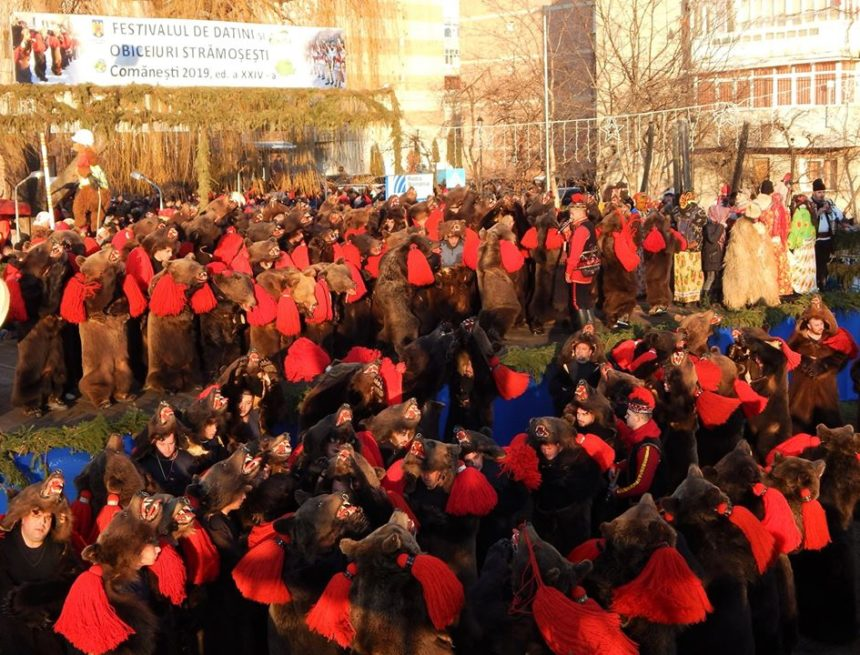 Frumusețea tradițiilor de Anul Nou pe valea Trotușului