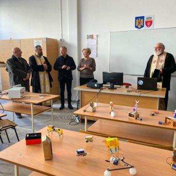 """Momente înălțătoare  de  înnoire  și spiritualitate la Colegiul Tehnic """"Gheorghe Asachi"""" din Onești"""