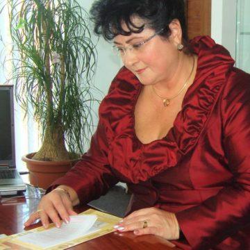 """DE LA ONEȘTI  LA BUCUREȘTI –  Cărți în lumina frumuseții la Târgul Internațional de carte """"Gaudeamus"""""""