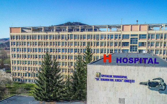 Vizită a  prefectului  județului Bacău, Liviu Miroșeanu la Spitalul Municipal Onești