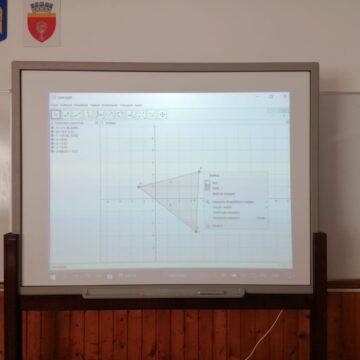 """În vreme  de pandemie –   O activitate didactică de înalt nivel la  Colegiul Național """"Grigore Moisil""""  din Onești"""
