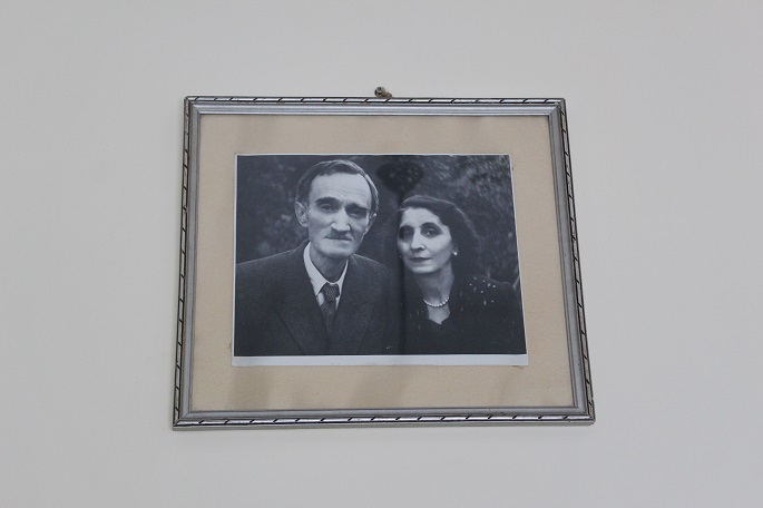 Acasă la  George  Bacovia, la București